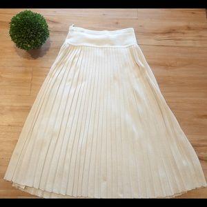 Vintage Pleated Sweater Maxi Skirt